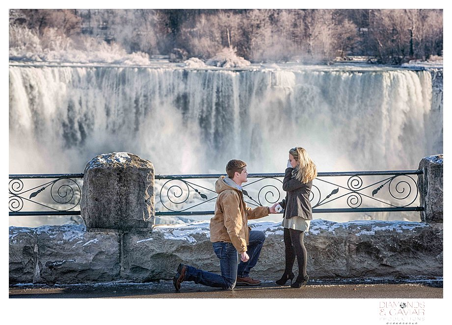 Engagement photography Niagara Falls, Ontario